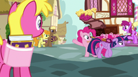 Twilight walks away from Pinkie in disappointment S7E14