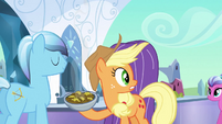 Applejack fearfully looking to the right S3E2