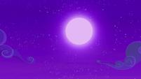 Full moon over Ponyville S6E7