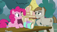 Mudbriar accepting Pinkie Pie's offering S8E3