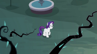 Rarity frightened by black vines S4E01