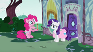 S01E10 Pinkie pokazuje Rarity harmonijkę