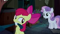 Sweetie Belle tries to stop Apple Bloom S5E6