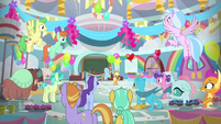 Rainbow and AJ throw party for the students MLPS3