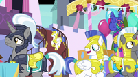 Royal guards go to the surprise party S9E4