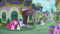 S06E12 Rarity pokazuje Pinkie Pie Canterlockie restauracje