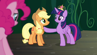 Twilight 'and our friendships may be tested' S4E02