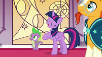 """Twilight Sparkle """"I just happen to be an expert"""" S7E25"""