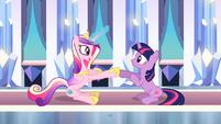 Princess Cadance and Twilight clap their hooves S03E01