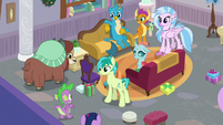 Spike approaching the Young Six S8E16