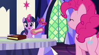 """Twilight Sparkle """"it's from the yaks!"""" S7E11"""