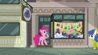 "Pinkie Pie ""must be stuck"" S6E3"