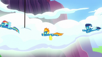 Rainbow Dash and the Wonderbolts racing S8E18