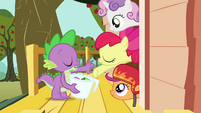 """Spike and the CMC """"take it or leave it"""" S03E11"""