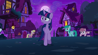Twilight goes looking for Starlight Glimmer S6E6