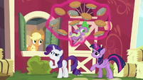 Twilight levitates Spike and pies S6E10