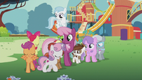 CMC sing and circle around Cheerilee and foals S5E18