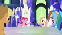 "Pinkie ""the perfect ones to leave it in"" S9E14"