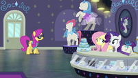 Pursey Pink enters Rarity For You S8E4