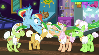 Rainbow Dash relieved the grannies are away S8E5
