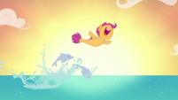 Scootaloo doing her best Free Willy impression S8E6