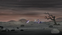 Spike --Come on, Starlight, look around!-- S5E26