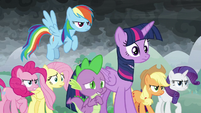 Twilight and friends arrive on scene S9E25