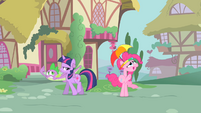 Pinkie Pie and Spike looking above them S1E15