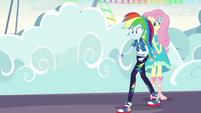 Rainbow Dash walking unevenly EGROF