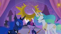 Twilight Sparkle lowers the moon S9E17