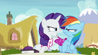 """Rarity """"bothered to read the thing I like"""" S8E17"""