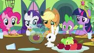 S03E10 Angel informuje o kłopocie na farmie Sweet Apple