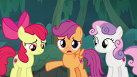 "Scootaloo ""helping Sugar Belle with her plan"" S9E23"