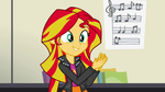 Sunset Shimmer claps to the beat EG2