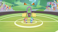 Yona and cheer ponies start halftime show S9E15
