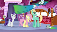 Fluttershy and Rarity see animals dragging dyed fabric S6E11