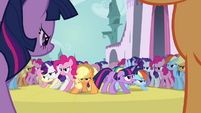 Main 6 surrounded by clones S02E26