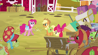 Pinkie Pie cheerful with saddlebags S4E09