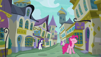 Pinkie Pie following her nose S6E12
