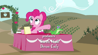 Pinkie Pie sitting with Gummy S4E03