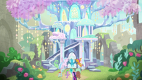 Twilight, Spike, and Young Six enter treehouse S9E3