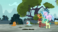 Puckwudgie Ocellus approaches the puckwudgie S8E2