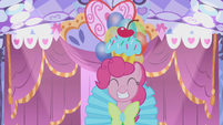 S01E14 Pinkie Pie w przerobionej sukni