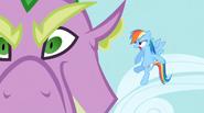 S02E10 Rainbow Dash krzyczy na Spike'a