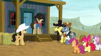 Sheriff Silverstar addresses his deputies S5E6