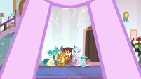 Young Six see Starlight Glimmer arrive S8E15
