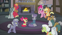 Apples and Pies gather around Maud S5E20