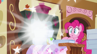 Discord vanishes from the bakery S5E7