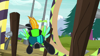 Lightning Dust flies through obstacle course S8E20