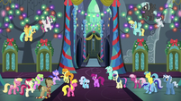 Ponies partying and dancing together S6E8